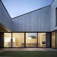 Wooden House / Casa din lemn cu gradina interioara