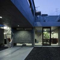 Nakagame house / Casa din beton