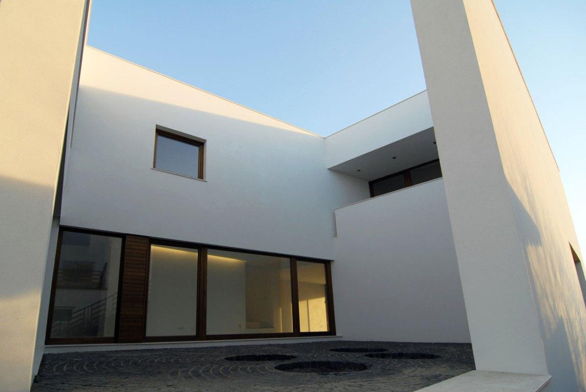 Casa Tudosie  / atelier TREI