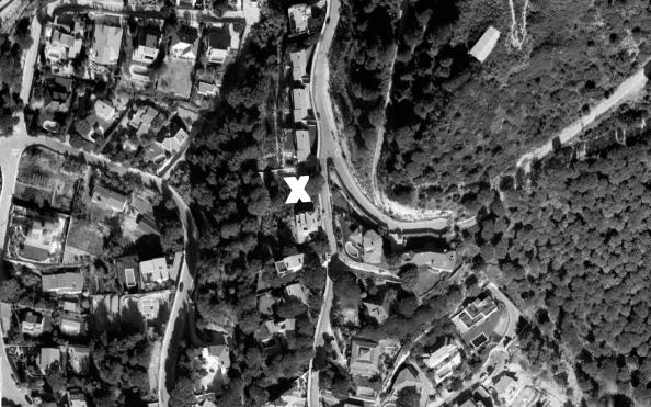 50f96d3fb3fc4b590a0000a3_x-house-cadaval-sol-morales_aerial_plan