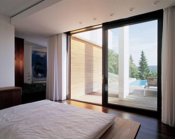 dormitor modern cu vedere spre mare