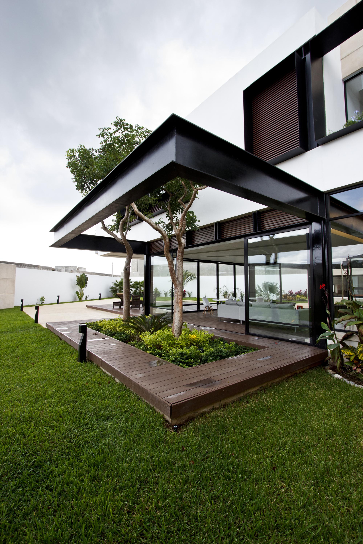 Resedinta moderna temazon mexic arhipura for Rosewood garden designs