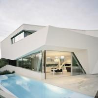 Freundorf Residence | Rafinament alb