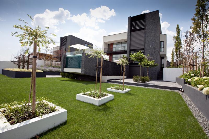 Locuinta moderna cu piscina cartierul rezidential brates for Case moderne