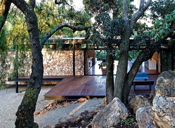 arhipura project_Westcliff-Pavilion_view-from-rocky-outcrop