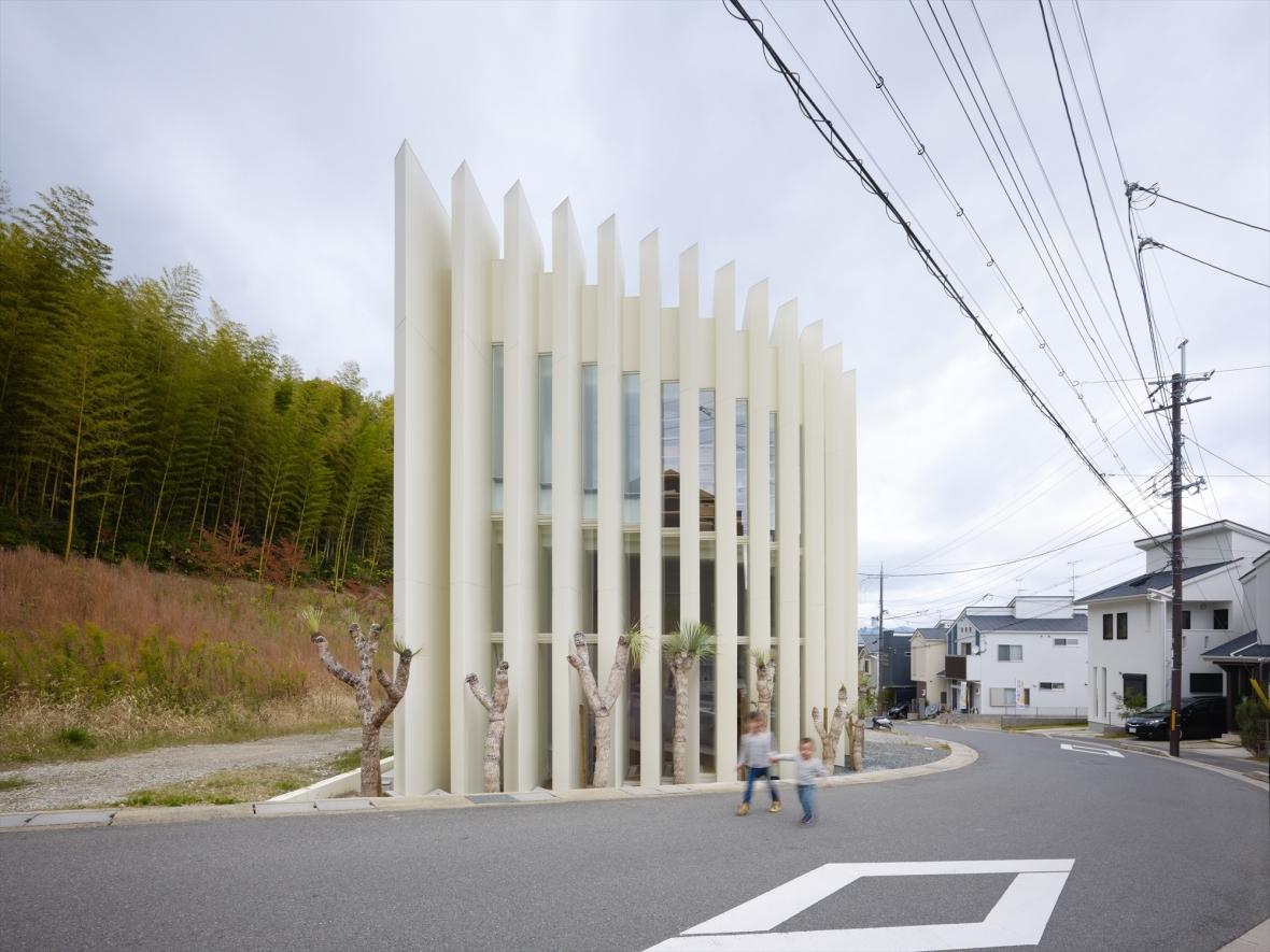 5144ab87b3fc4baa2c00005f_house-in-muko-fujiwarramuro-architects_higashimuko042000