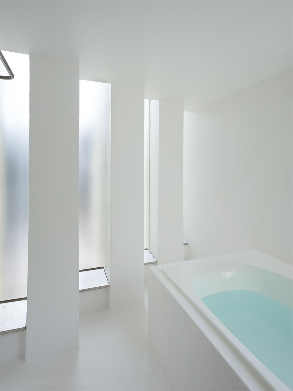 5144ab99b3fc4b88c6000074_house-in-muko-fujiwarramuro-architects_higashimuko222000