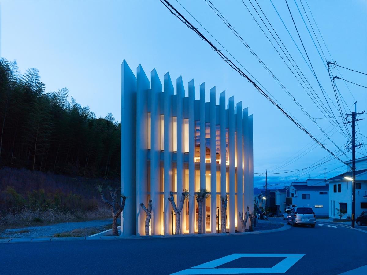 O casa moderna eficienta la strada | Japonia