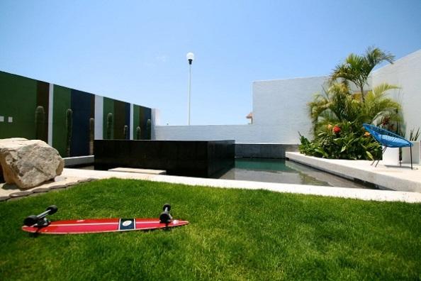 curte-interioara-arhitectura-moderna-2