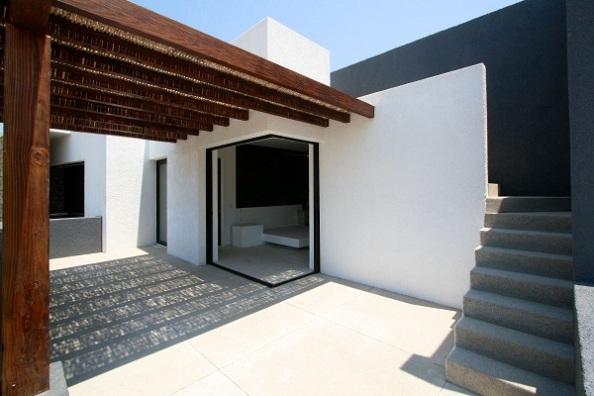 curte-interioara-arhitectura-moderna