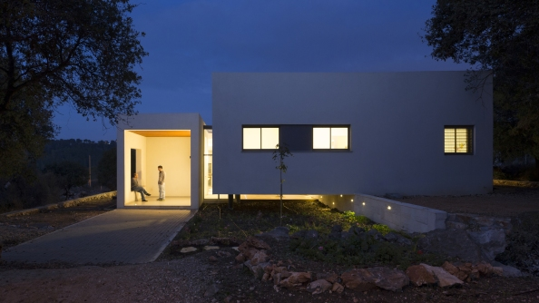 544be3abe58eceb567000320_hsm-house-so-architecture_yehiam_31