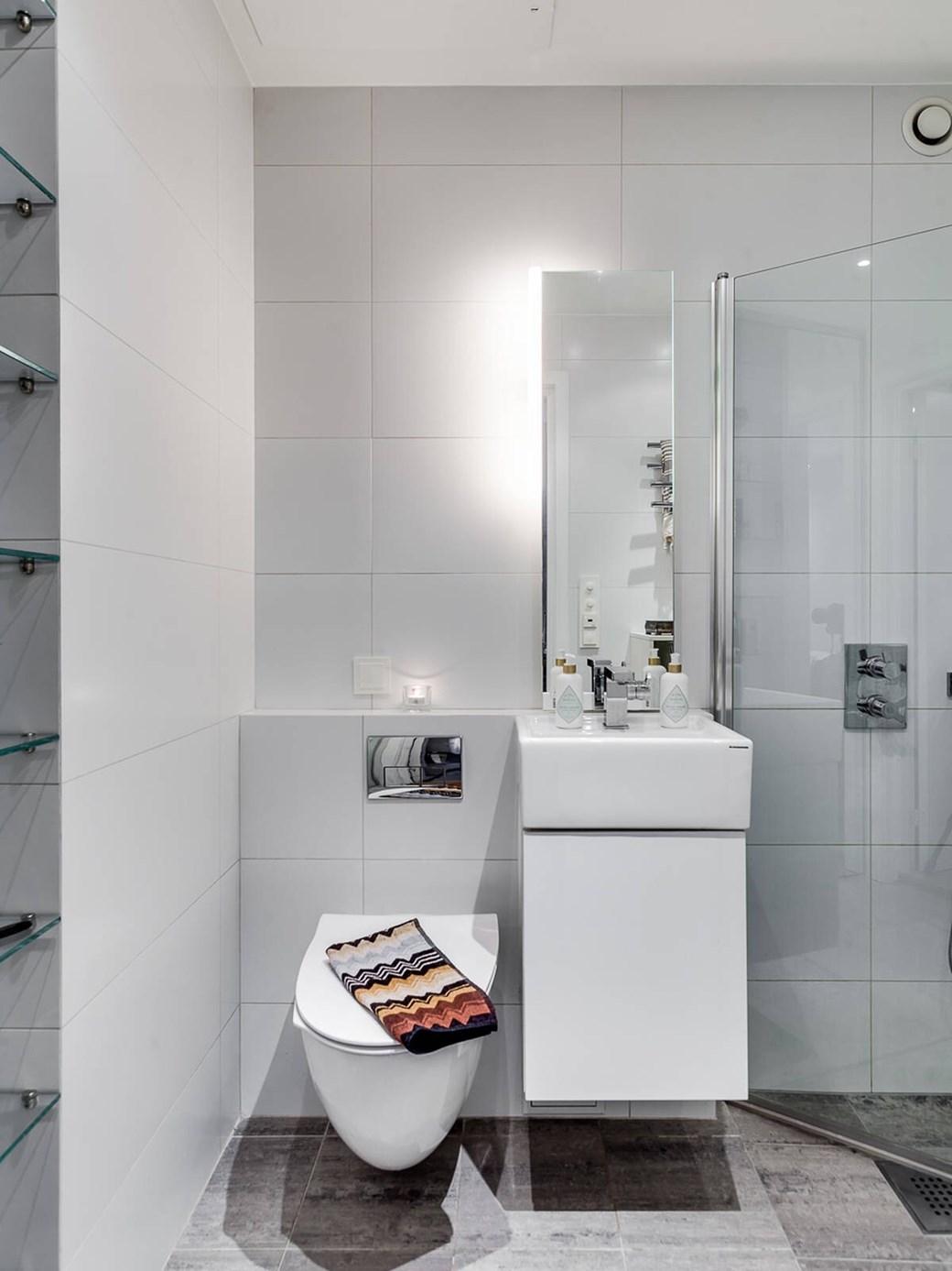 Patul în dulap într-o garsonieră de 34 m² 12