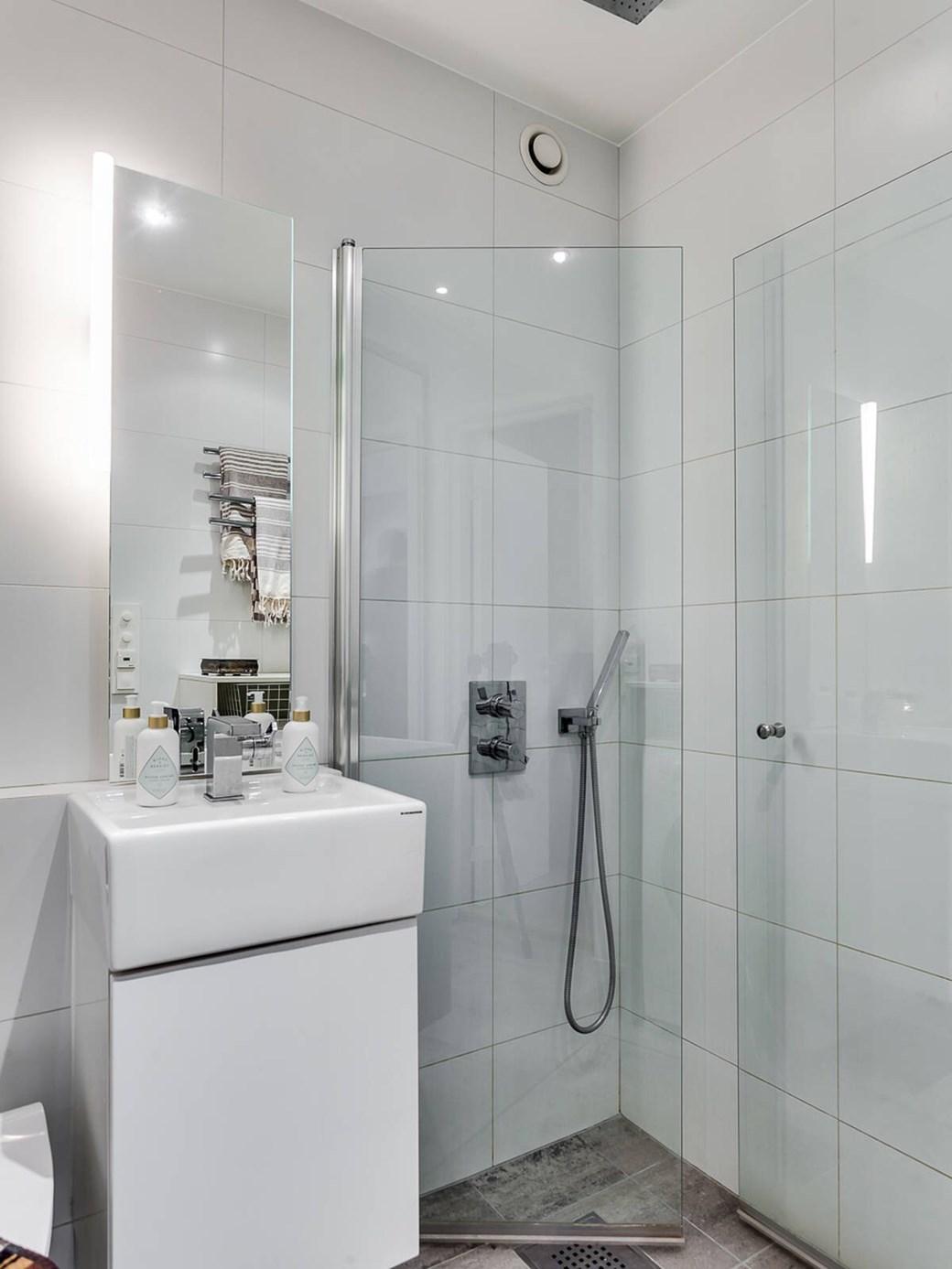 Patul în dulap într-o garsonieră de 34 m² 13