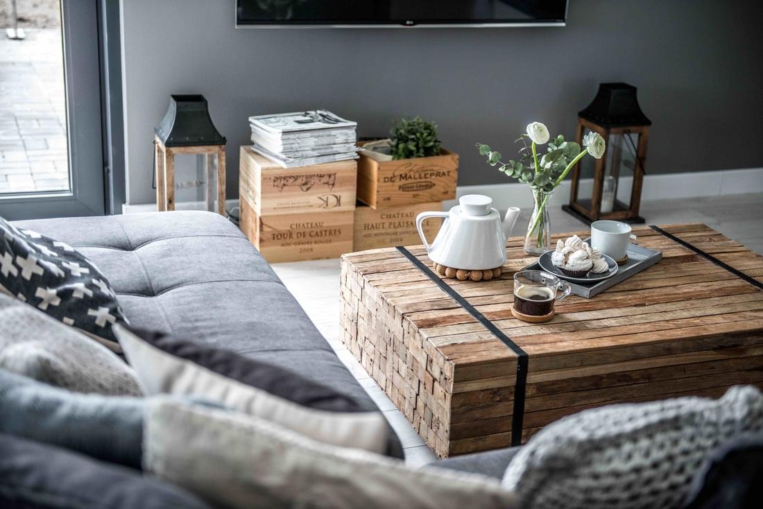 Modern, gri, minimal și cărămidă expusă într-o casă din Polonia 9_ arhipura