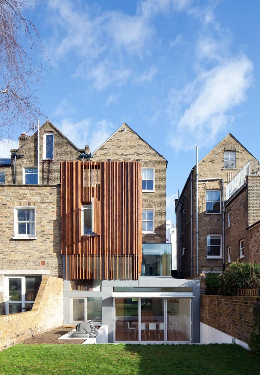 Extinderea ingusta a unei case | Anglia