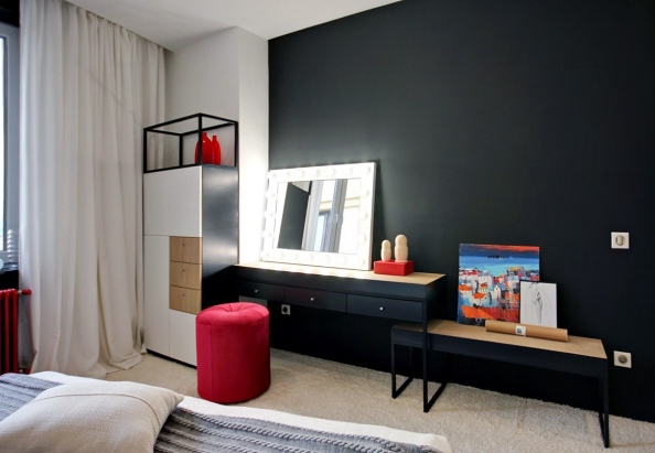 red-and-black-bedroom-theme