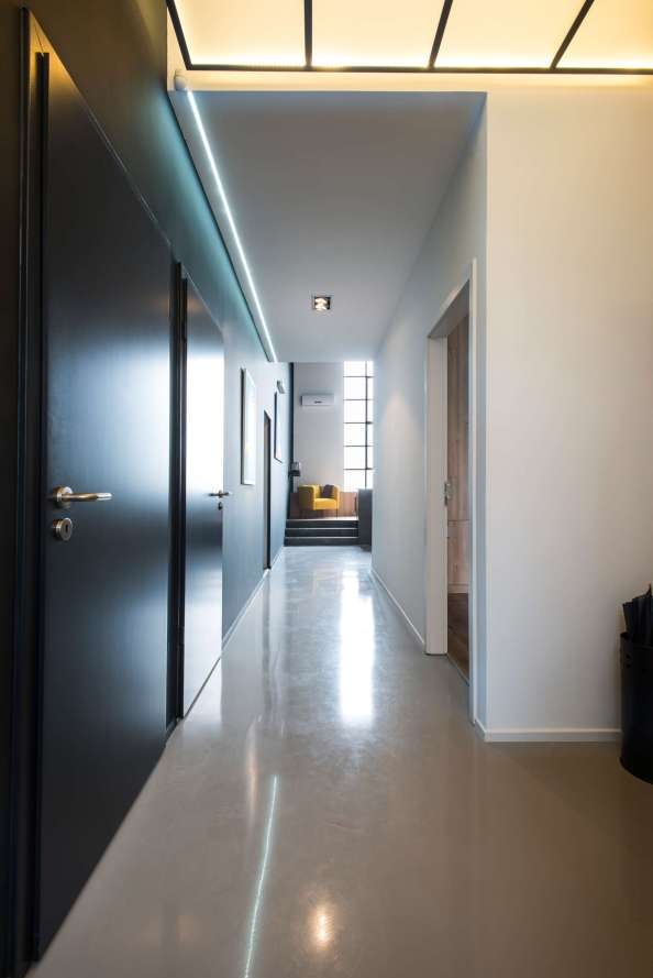 Long-Foyer-Hallway-Loft