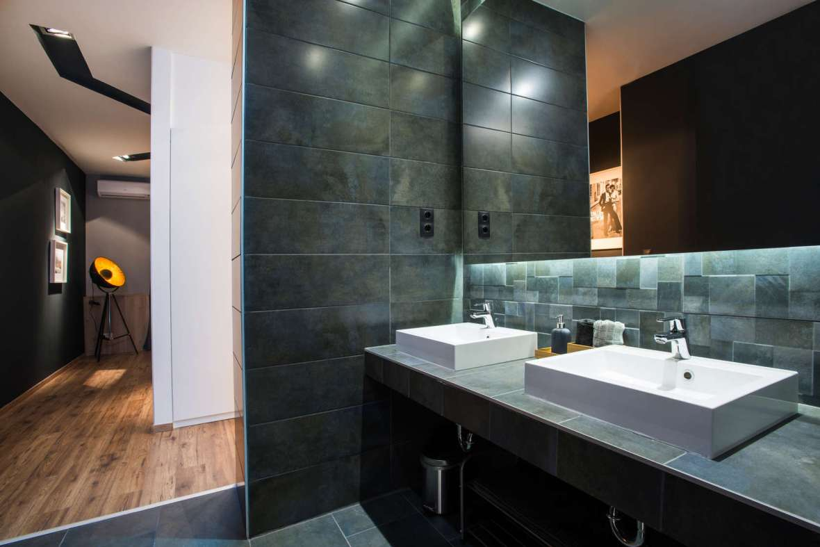 Slate-TIles-Bathroom