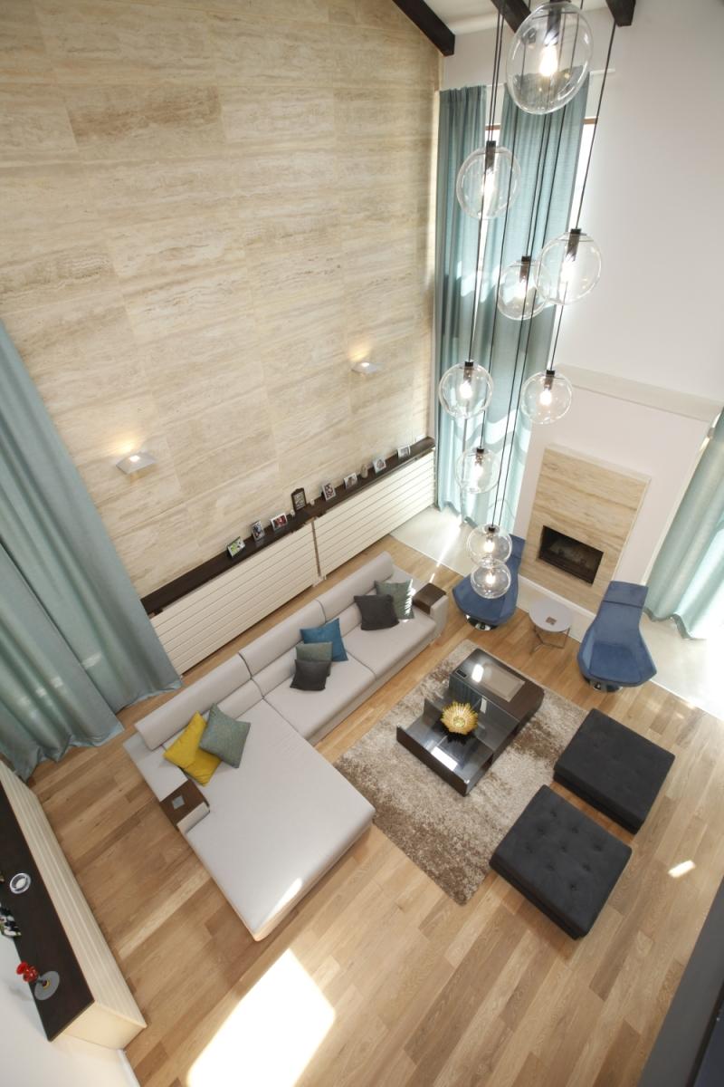 Amenajare moderna vila in culori calde