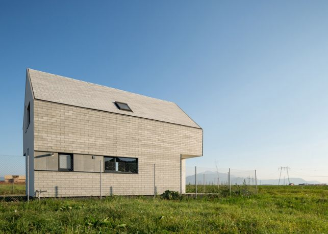 casa-om%2cunproiectmarcainsertstudio_16906