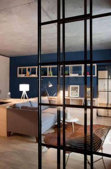 Apartment-in-Bucharest-by-Bogdan-CiocodeicДѓ-Diana-RoЕџu-13