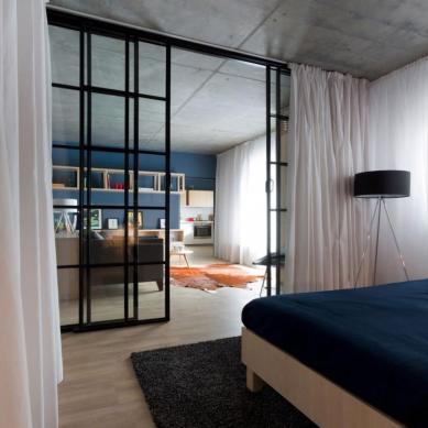 Apartment-in-Bucharest-by-Bogdan-CiocodeicДѓ-Diana-RoЕџu-14