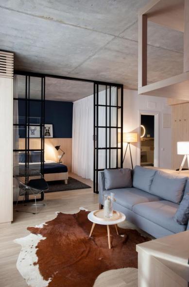 Apartment-in-Bucharest-by-Bogdan-CiocodeicДѓ-Diana-RoЕџu-2