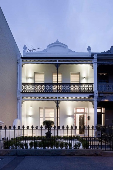 Victorian-terrace-home-in-Australia-22