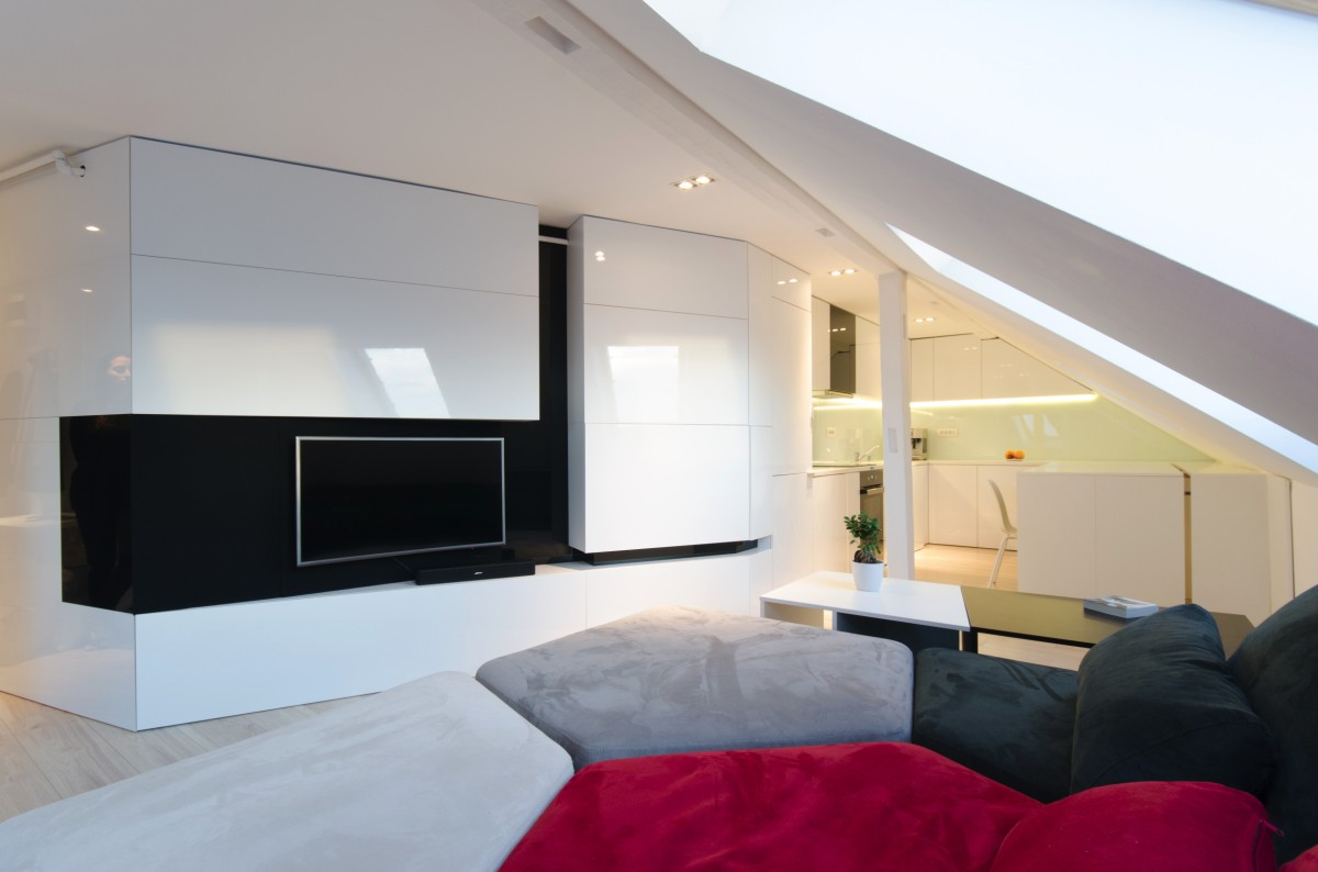 Apartament modern amenajat in mansarda unei cladiri din tesutul istoric | Timisoara
