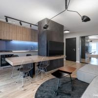 Apartament cu aspect general simplu si nuante de gri